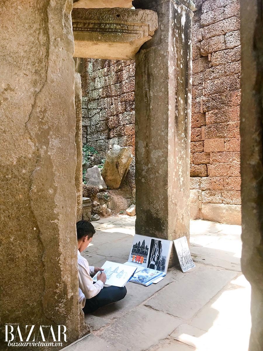 Một họa sỹ ghi chép lại nét kiến trúc cổ và sự thiền tịnh của Angkor Wat