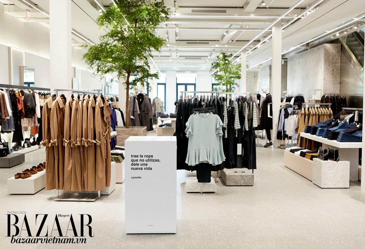 Chiếc thùng quyên góp thời trang cũ trong các cửa hàng Zara