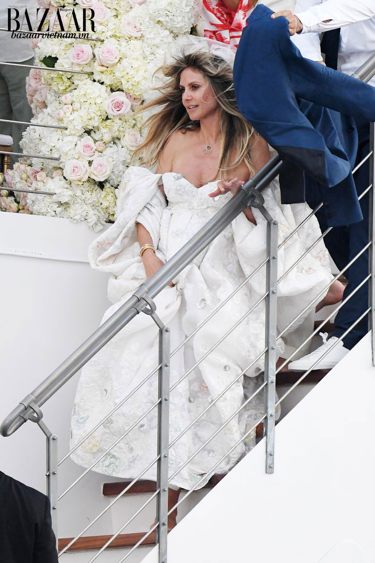 Chiếc váy cưới độc và lạ của Heidi Klum