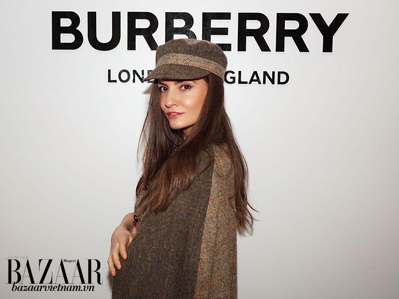 Siêu mẫu Kelly England Prehn tại show diễn thời trang Thu Đông 2019 của Burberry