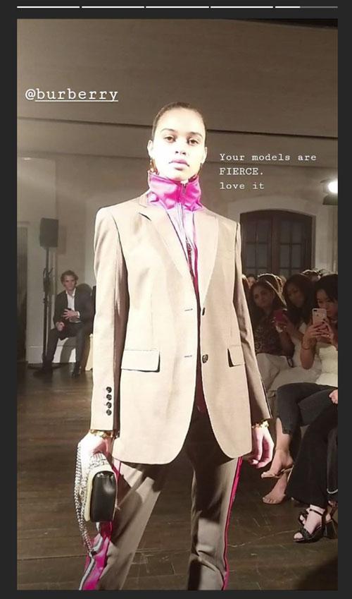 Siêu mẫu đăng hình lên Instagram khen ngợi bộ sưu tập
