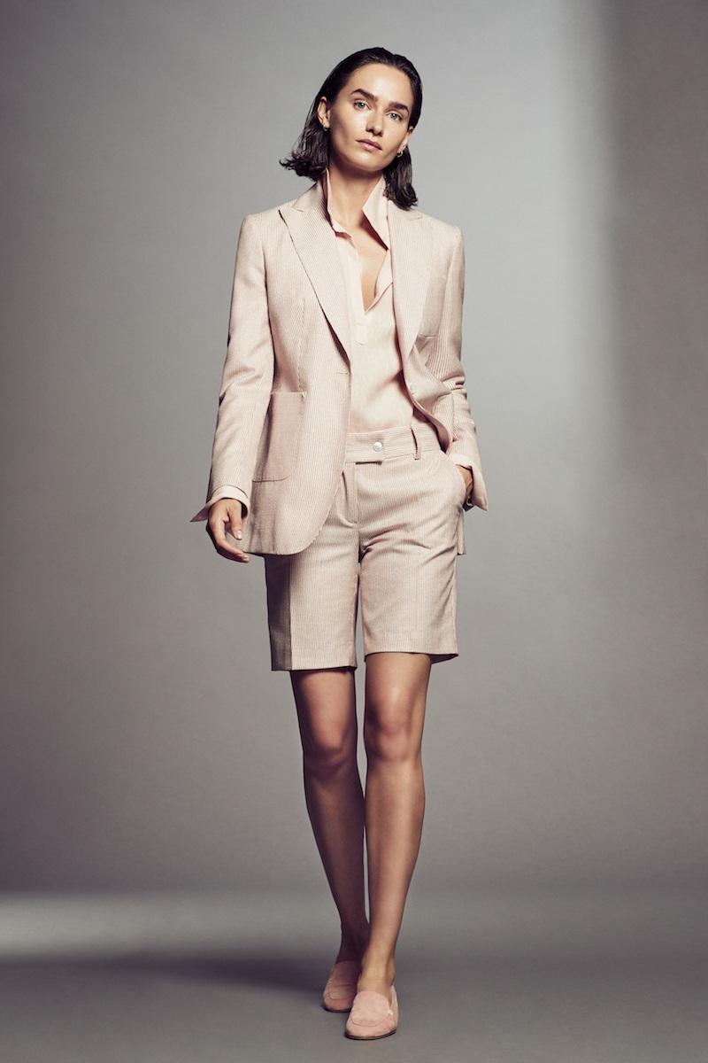 Thương hiệu may đo cao cấp đến từ Ý nổi tiếng với những bộ suit, vest được cắt may hoàn hảo