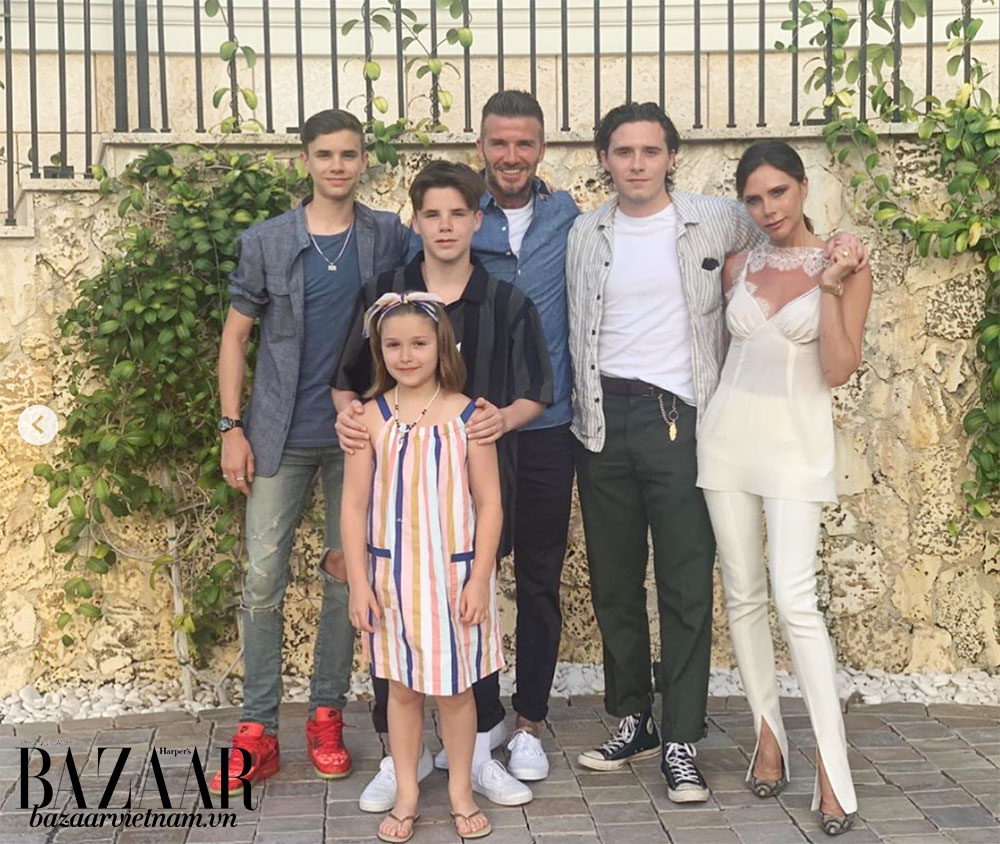 Gia đình Beckham đã có một mùa hè vòng quanh thế giới, từ Seville, Tây Ban Nha đến Miami, Florida, Mỹ.