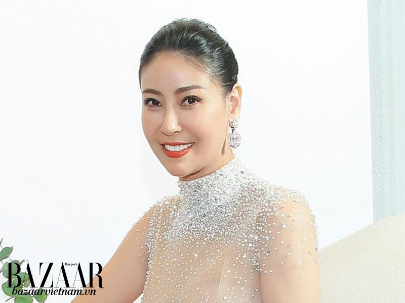 """Hoa hậu Hà Kiều Anh bật mí về """"mối tình"""" phải theo đuổi 8 năm mới thành công"""