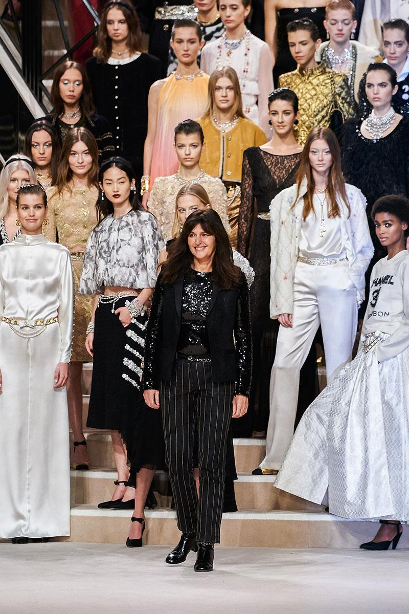 Bà Virginie Viard tại show thời trang của Chanel mùa Pre-Fall 2019