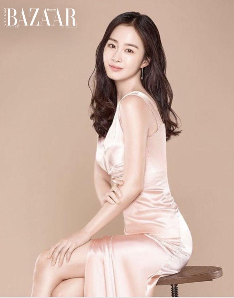 Hơn 40 tuổi cũng chỉ trông như 20: Kim Tae Hee tiết lộ bí quyết dưỡng da 4