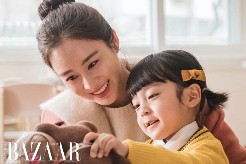 Hơn 40 tuổi cũng chỉ trông như 20: Kim Tae Hee tiết lộ bí quyết dưỡng da 1