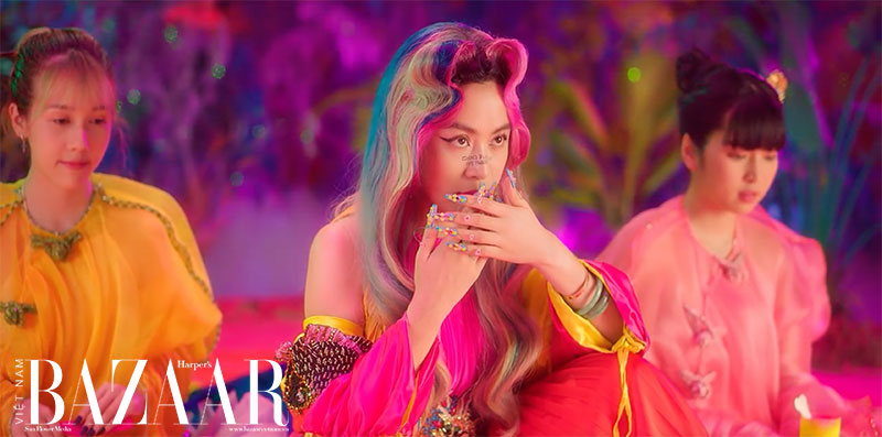 Makeup mùa hè rực rỡ như Hoàng Thùy Linh trong MV Kẻ cắp gặp bà già 6