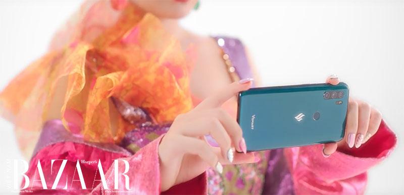Makeup mùa hè rực rỡ như Hoàng Thùy Linh trong MV Kẻ cắp gặp bà già 8