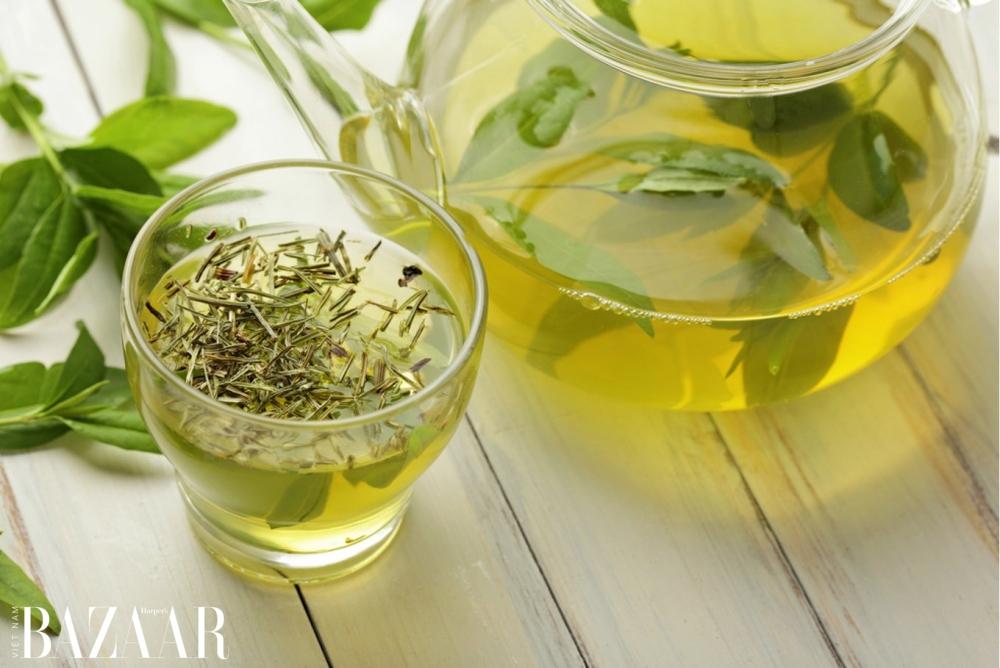 Cách chữa cháy nắng da đầu với trà xanh