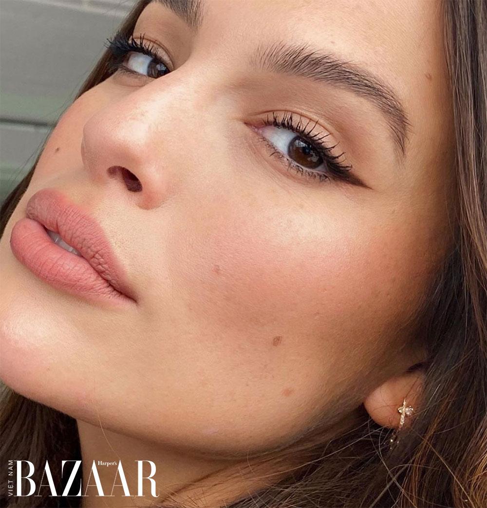 Cách vẽ môi căng mọng siêu đẹp không cần tiêm Botox 1