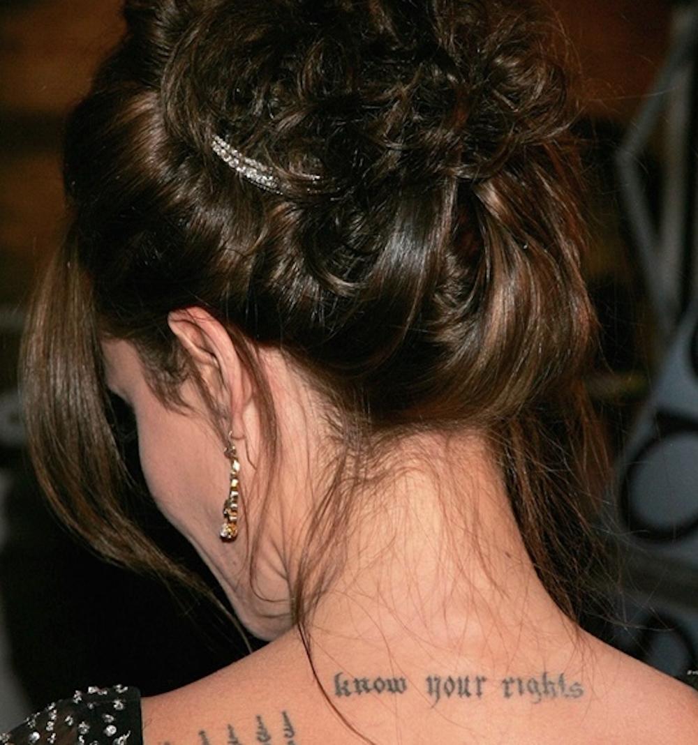 Ý nghĩa tâm linh đằng sau những hình xăm của Angelina Jolie 3