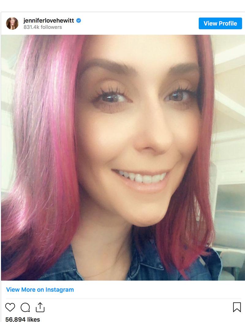 Các sao Hollywood đổi màu tóc mùa cách ly xoành xoạch 2