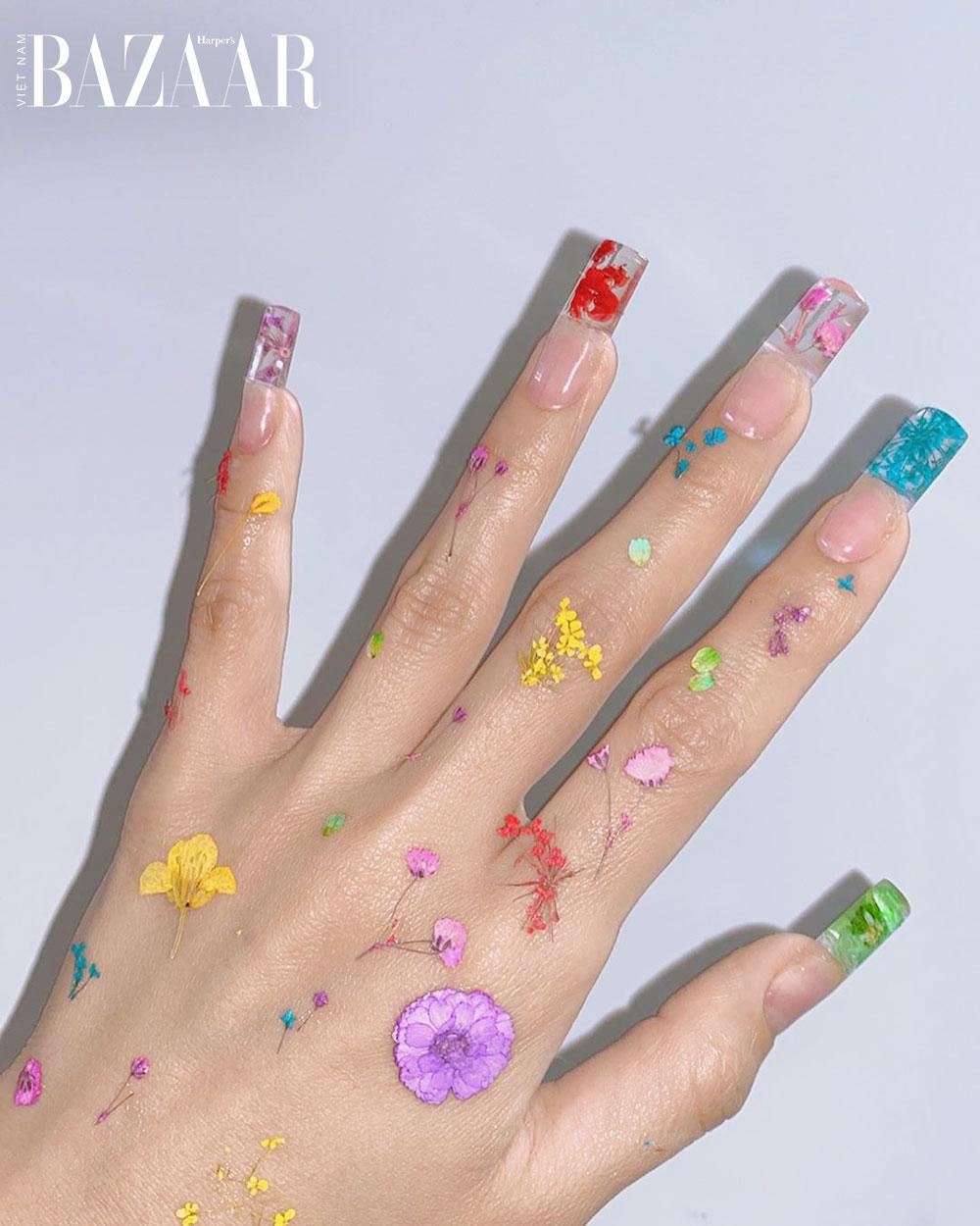 9 mẫu móng tay trong suốt đẹp long lanh như nước 4