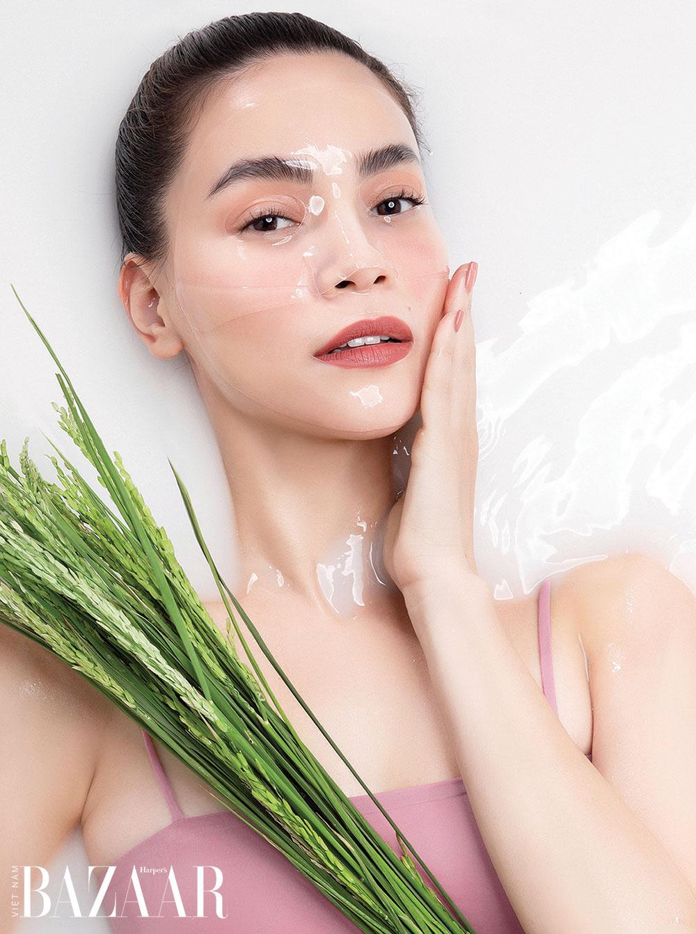 Ngoài việc chăm dưỡng da, bạn phải tăng cường thư giãn để kiểm soát các cảm xúc tiêu cực, để hiệu quả dưỡng da thêm tốt. Ảnh: M.O.I Cosmetics