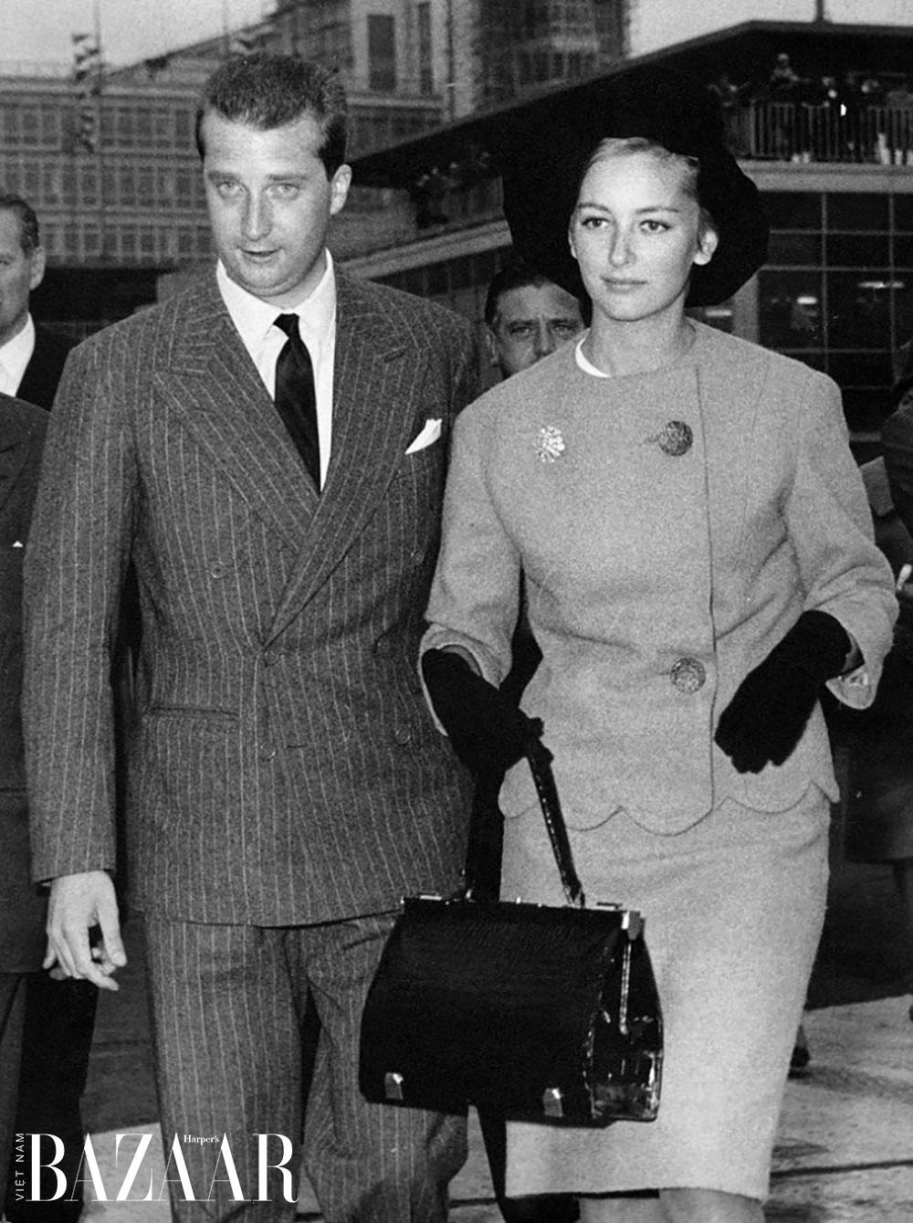 Hoàng hậu Paola của Bỉ sử dụng túi Delvaux, năm 1959. Ảnh: Delvaux