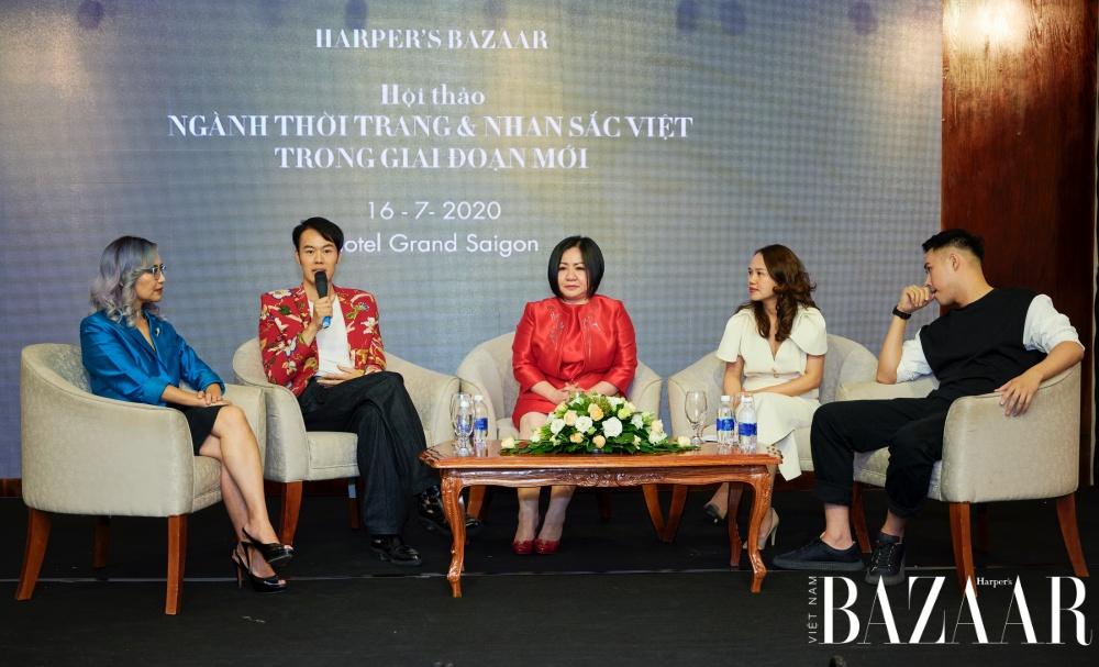 Anh Nicky Vũ tại hội thảo Harper's Bazaar