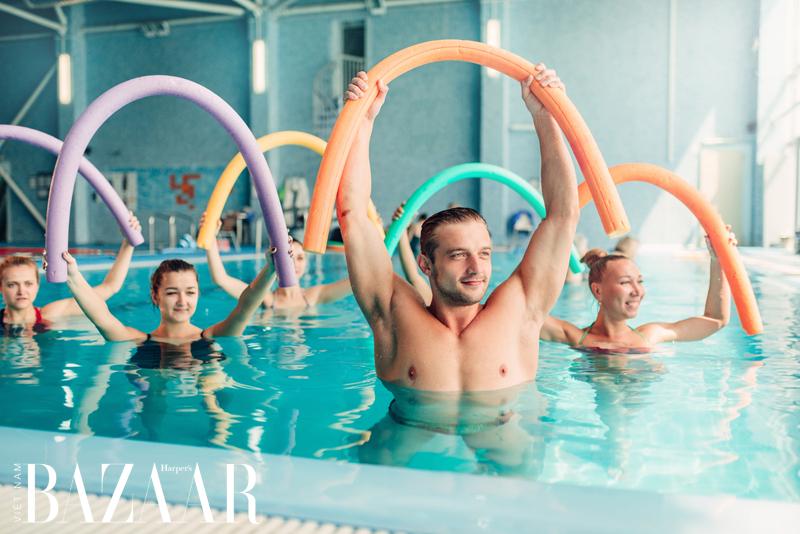 Vì sao tập thể thao dưới nước giúp giảm cân nhanh 1