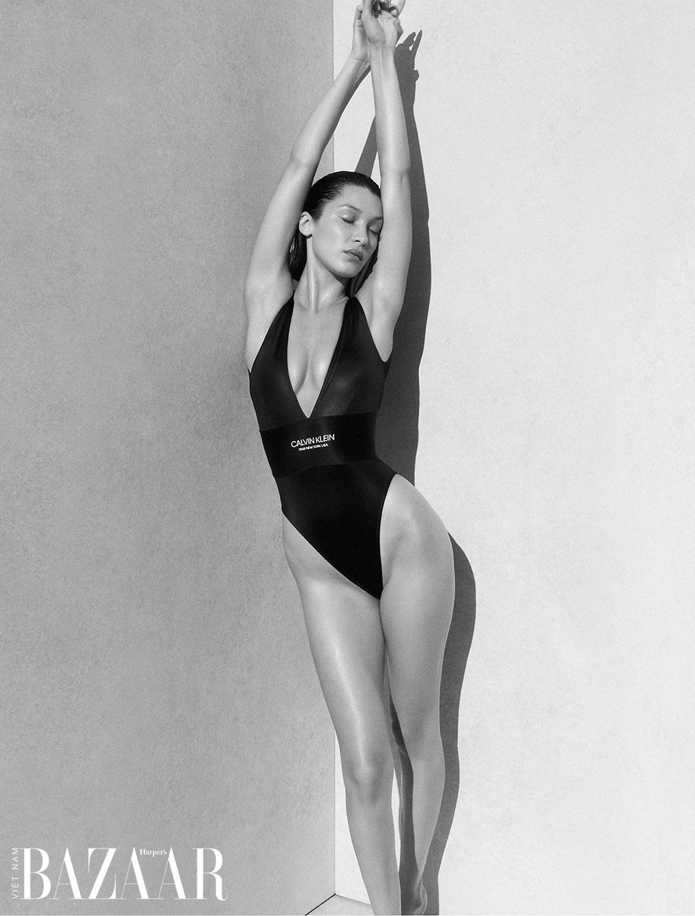 Bella Hadid trong chiến dịch quảng cáo áo tắm Calvin Klein Xuân Hè 2020