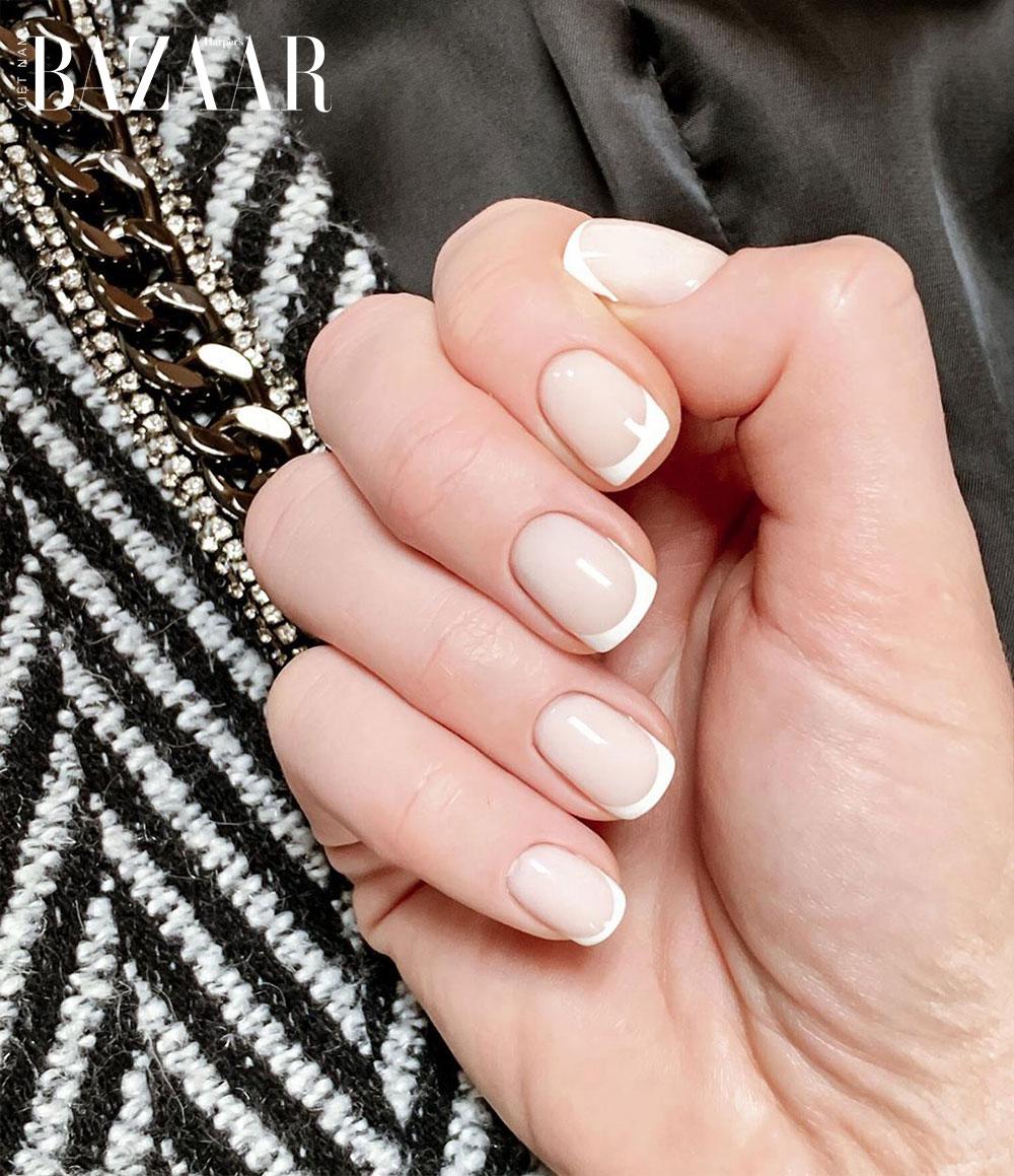 Sơn móng kiểu Pháp hợp với bất cứ hình dáng móng tay nào