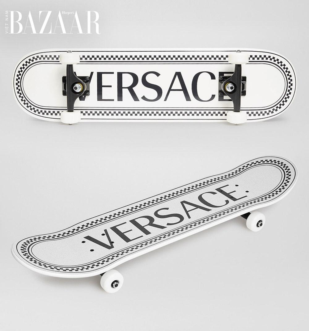 dụng cụ tập thể thao: ván lướt Versace