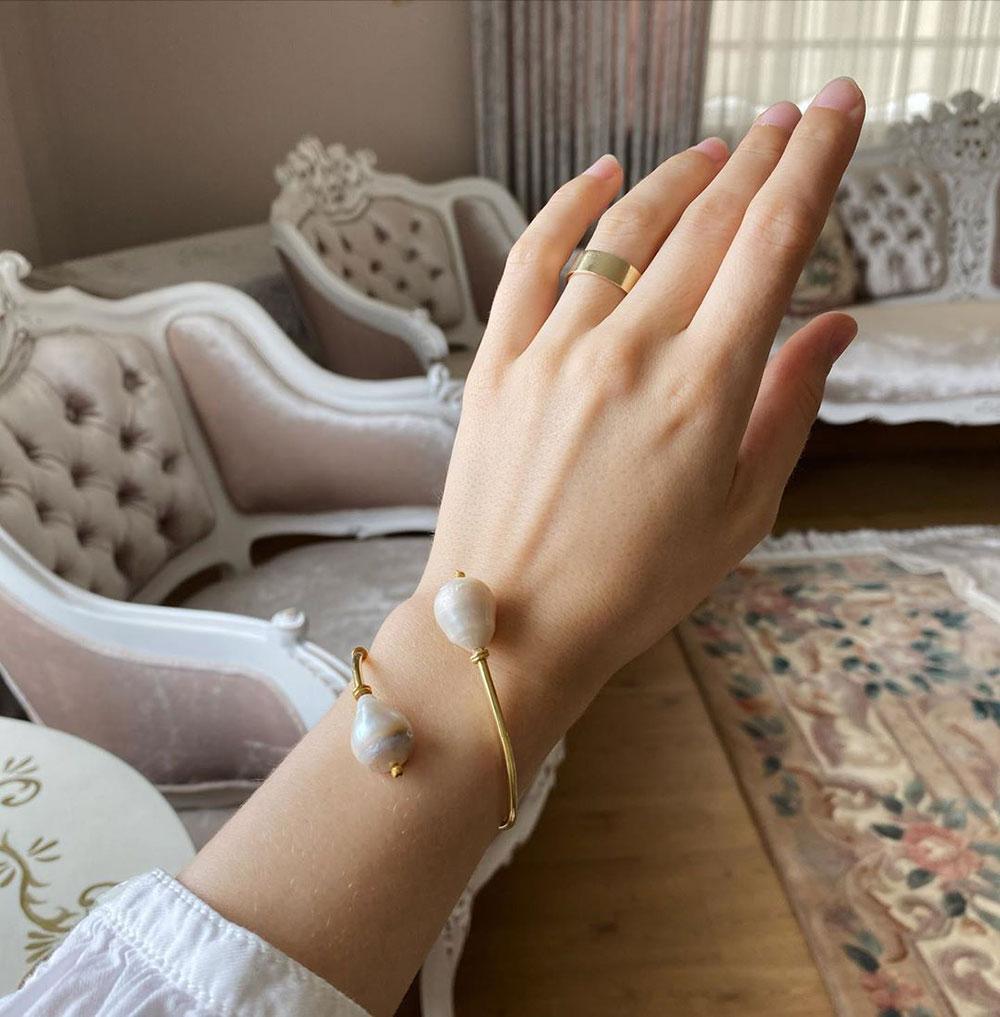Vòng tay ngọc trai baroque Perle et Fleurs