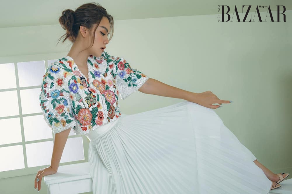 Phạm Quỳnh Anh kỷ niệm sinh nhật với bộ ảnh thời trang