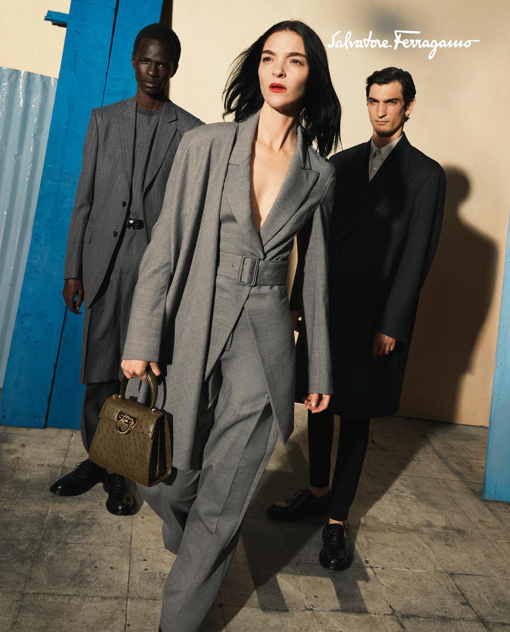 Xu hướng thời trang Thu Đông 2020: Màu xám ấm áp
