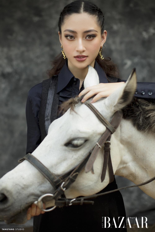 Sinh nhật tuổi 20 của Lương Thùy Linh, trang phục Saint Laurent