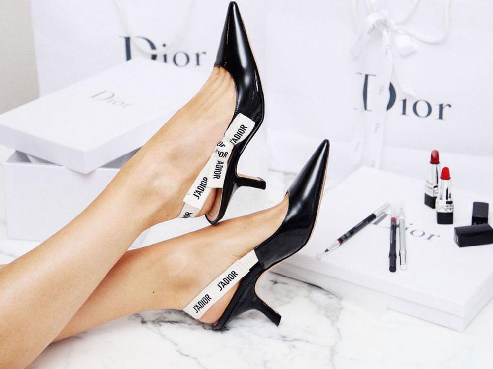đùi to nên mang giày cao gót