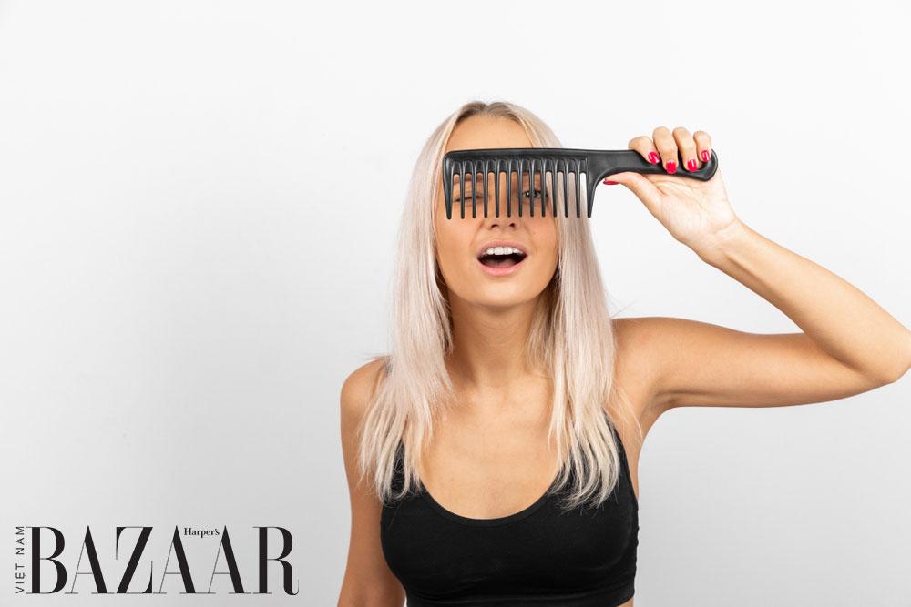 Vì sao lược nhựa cực kỳ tệ cho tóc bạn 1