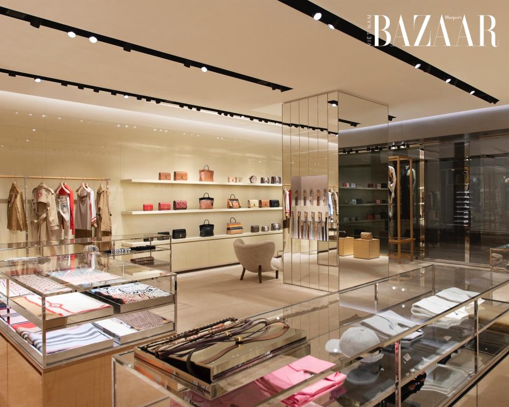 Burberry tái thiết kế cửa hàng Hà Nội theo tầm nhìn Riccardo Tisci