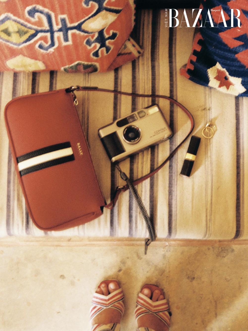 Travel blogger Hà Trúc mách bạn 1 tuần mặc gì để vừa đẹp vừa sang
