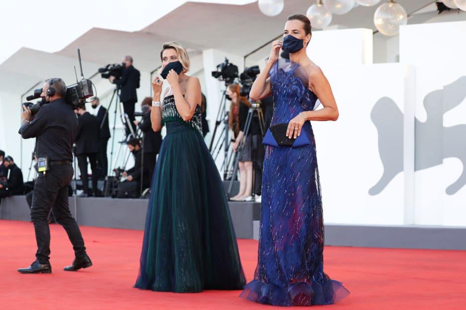Thời trang thảm đỏ Liên hoan phim Venice 2020