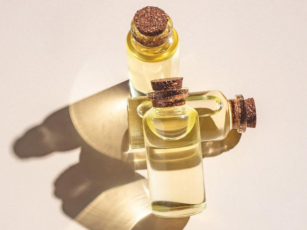 Ylang Ylang là gì? 4 cách sử dụng tinh dầu Ylang Ylang chống stress