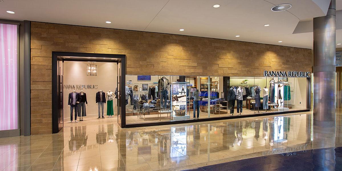 Banana Republic và Gap là hai thương hiệu có mật độ cửa hàng dày đặc tại các trung tâm thương mại. Ảnh: The Mall at Millenia thuộc thành phố Orlando, Florida, Mỹ