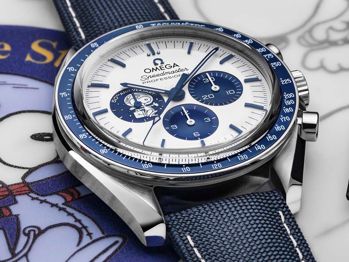 Đồng hồ OMEGA Speedmaster Silver Snoopy Award 50th Anniversary