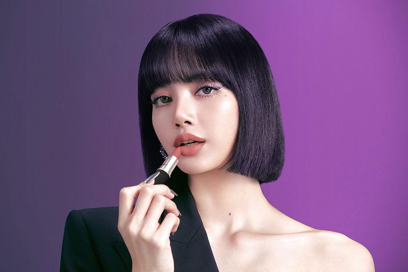 Lisa Manoban của BLACKPINK bật mí bí quyết tô son môi để có bờ môi căng mọng