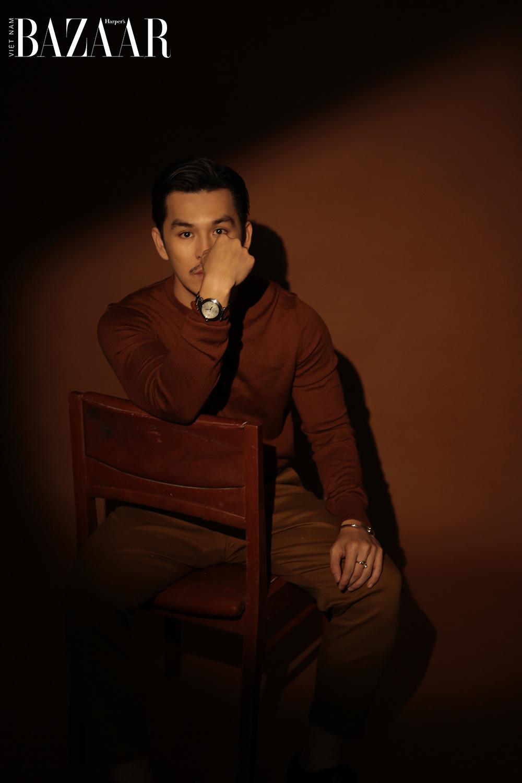 Nhiếp ảnh gia Thiên Minh trong bộ ảnh Pasha de Cartier
