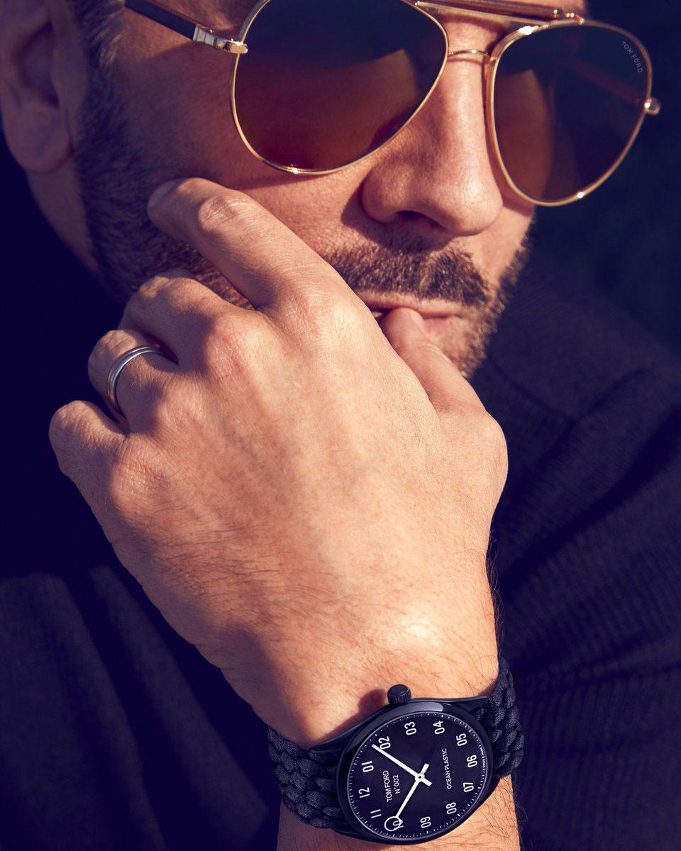 Tom Ford đeo đồng hồ tái chế từ rác thải nhựa, Tom Ford Ocean Plastic Watch