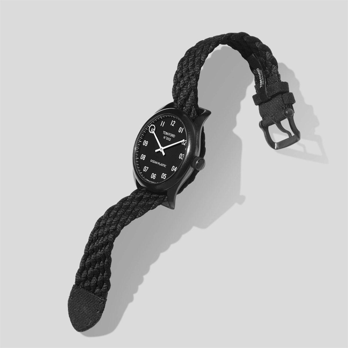 Đồng hồ tái chế từ rác thải nhựa, Tom Ford Ocean Plastic Watch