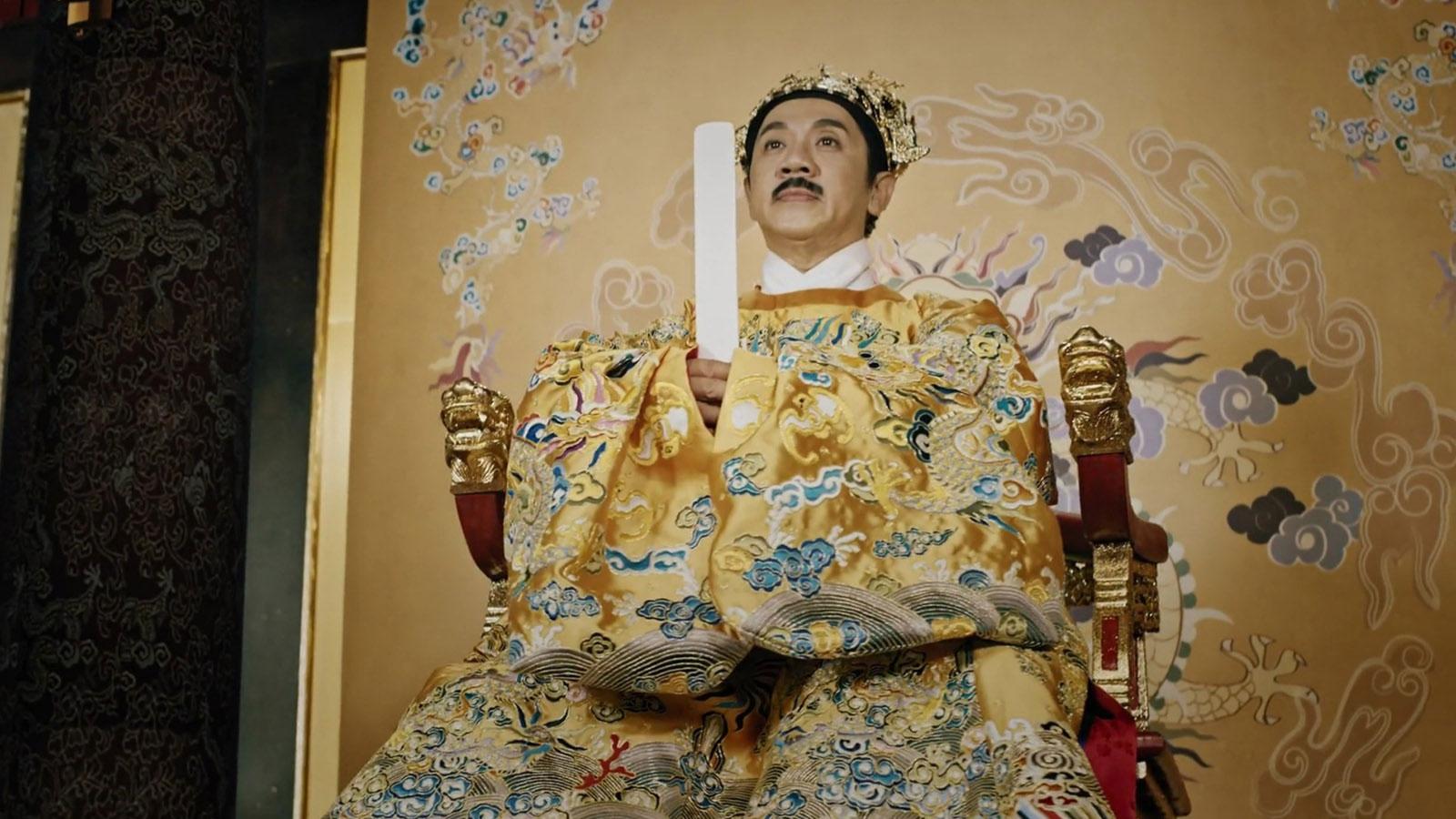 Sắc vàng cung đình Việt: NSUT Thành Lộc hóa thân Hoàng đế Thiệu Trị trong phim Phượng Khấu.