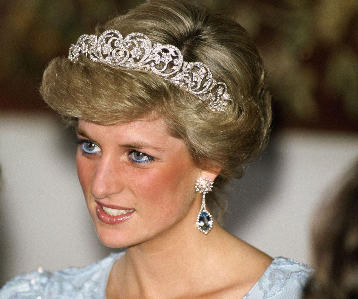 Công nương Diana được biết đến là người từng bị hội chứng đỏ mặt. Bà đã truyền gen này xuống cho hoàng tử William.