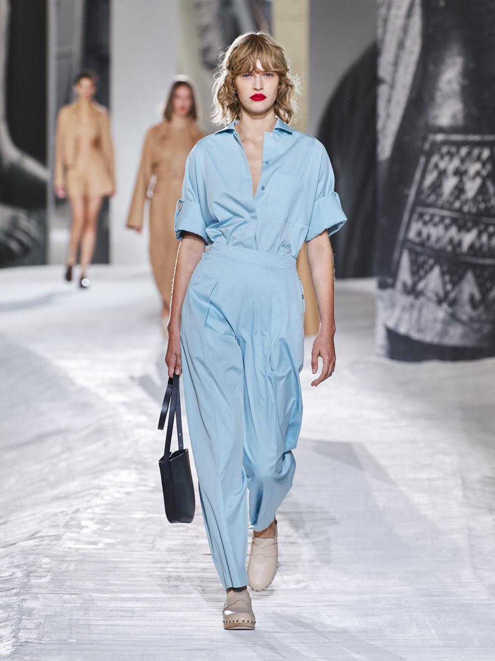 Một thiết kế Hermès Xuân Hè 2021 đậm chất minimalism. Ảnh: Hermès