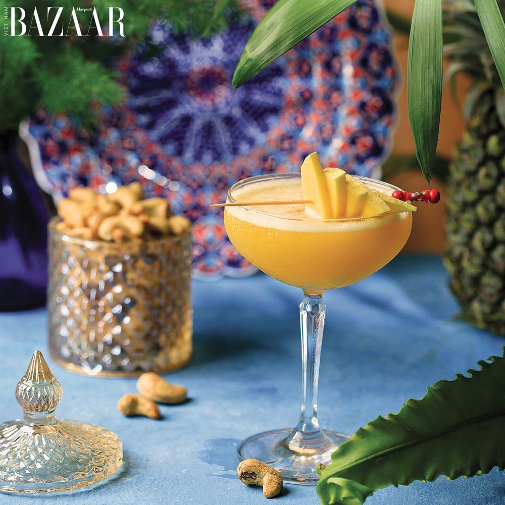 Cocktail xoài là món uống đặc trưng của Amun Restaurant & Lounge