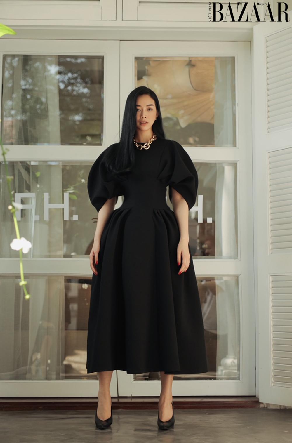 Mai Thanh Hà khoe eo thon trong đầm LBD, tiết lộ bí quyết giữ dáng 3