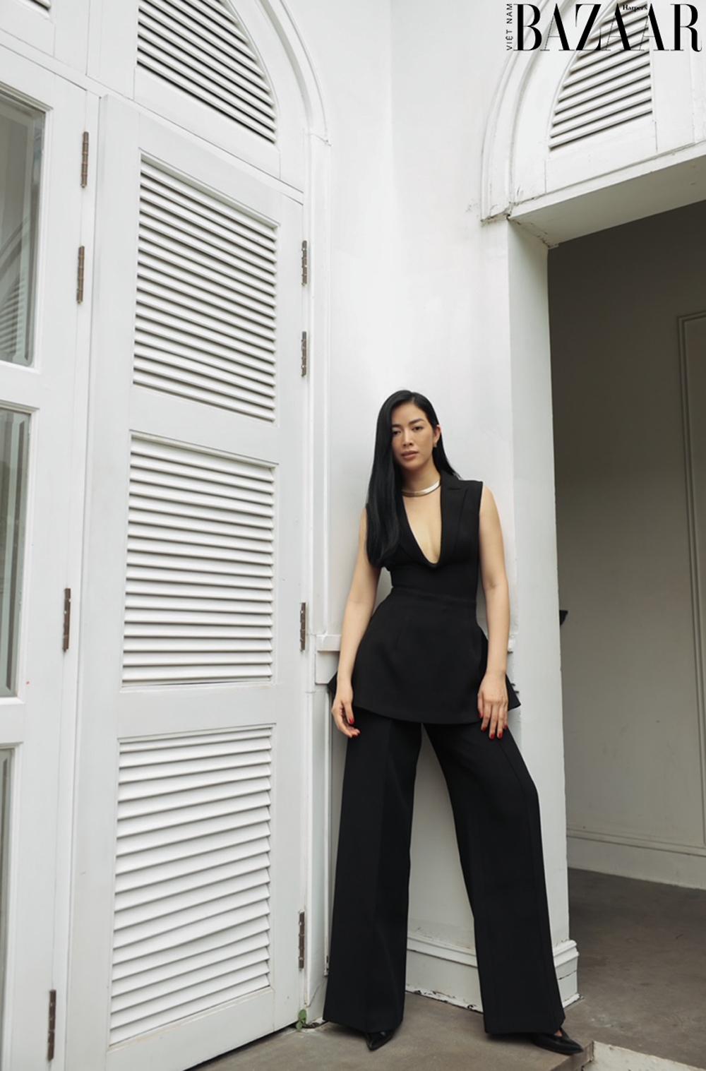 Mai Thanh Hà khoe eo thon trong đầm LBD, tiết lộ bí quyết giữ dáng 4