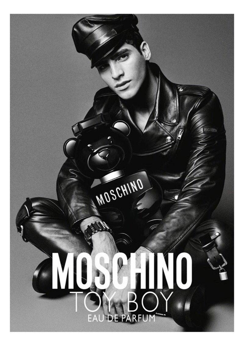 Nước hoa Moschino Toy Boy: Nốt hương unisex mạnh mẽ cho cả chàng lẫn nàng