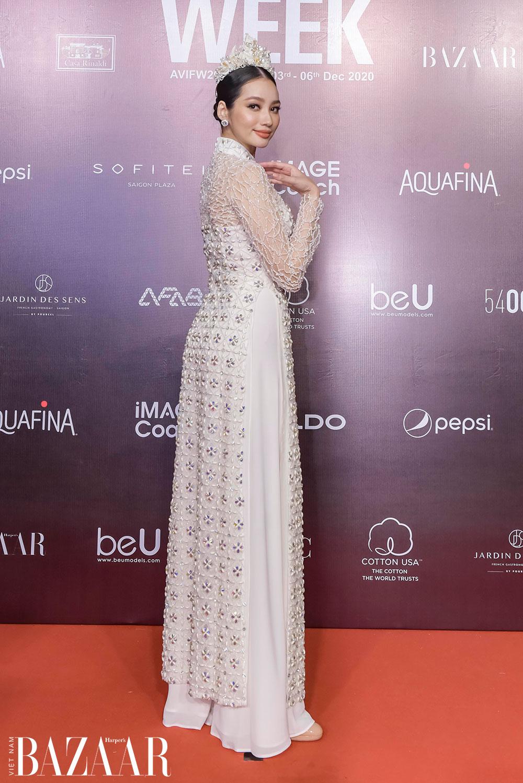 Cách chọn áo dài đi tiệc đẹp như hoa hậu Trương Tri Trúc Diễm