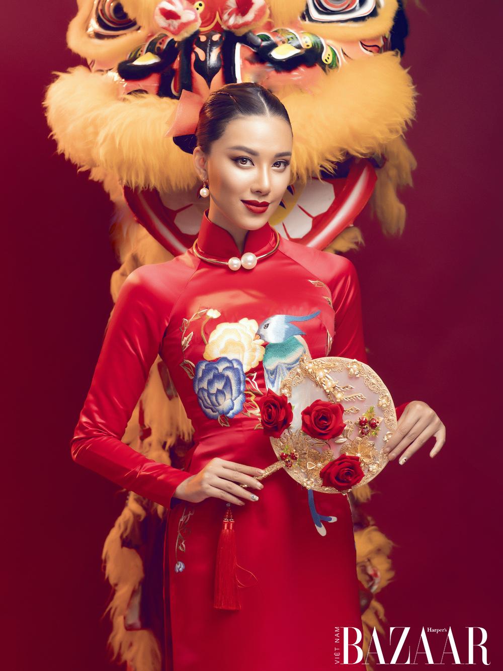 Á hậu Kim Duyên rạng ngời với áo dài xuân của Đức Vincie 7